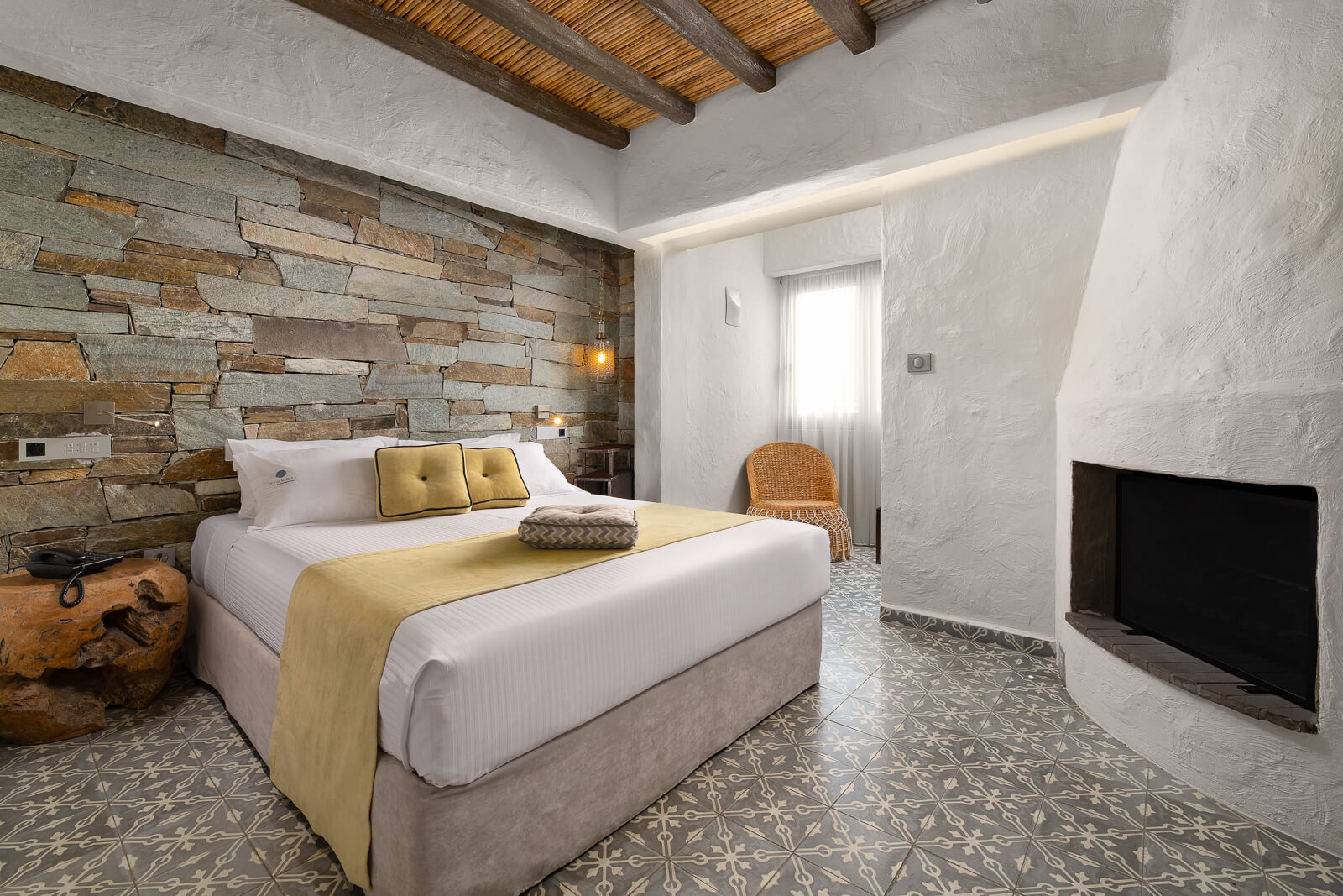 Helios Hotel Suite with Fireplace - Elakati Luxury Boutique Hotel in Rhodes