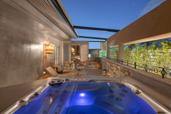 Helios Suite with Private Outdoor Hot Tub - Elakati Hotel in Rhodes Greece