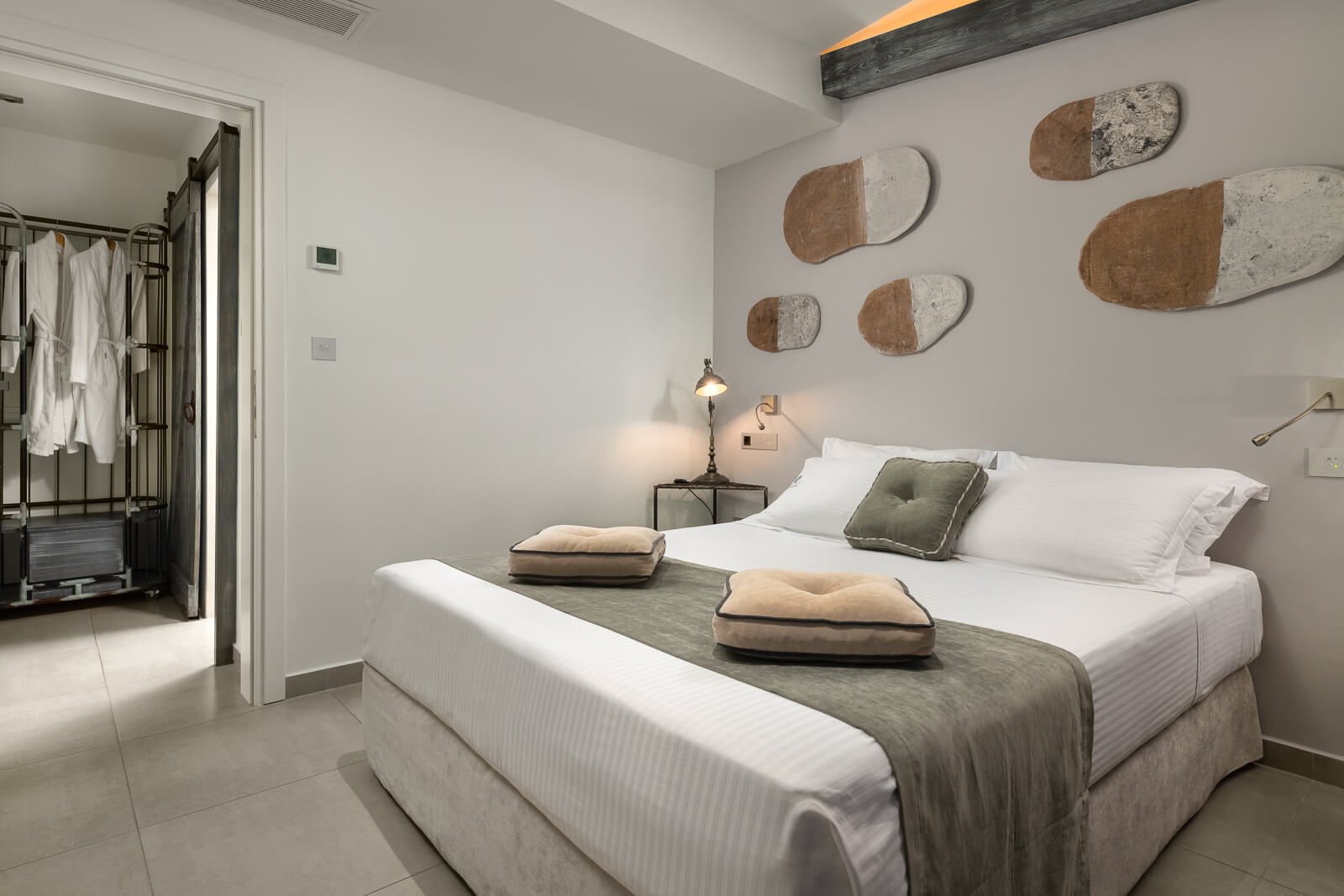 Kavos-Themed-Room-Elakati-Hotel-in-Rhodes-Greece
