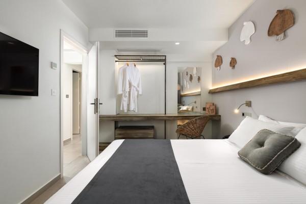Nisos Suite Bedroom - Elakati Hotel in Rhodes
