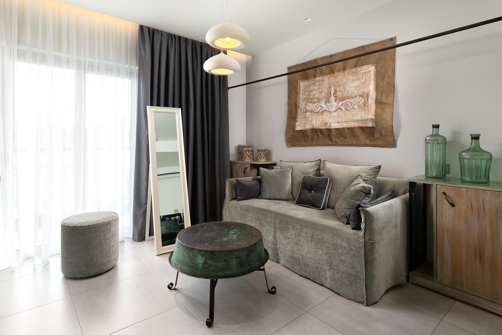 Vrachos Suite Living Room - Elakati Luxury Boutique Hotel in Rhodes