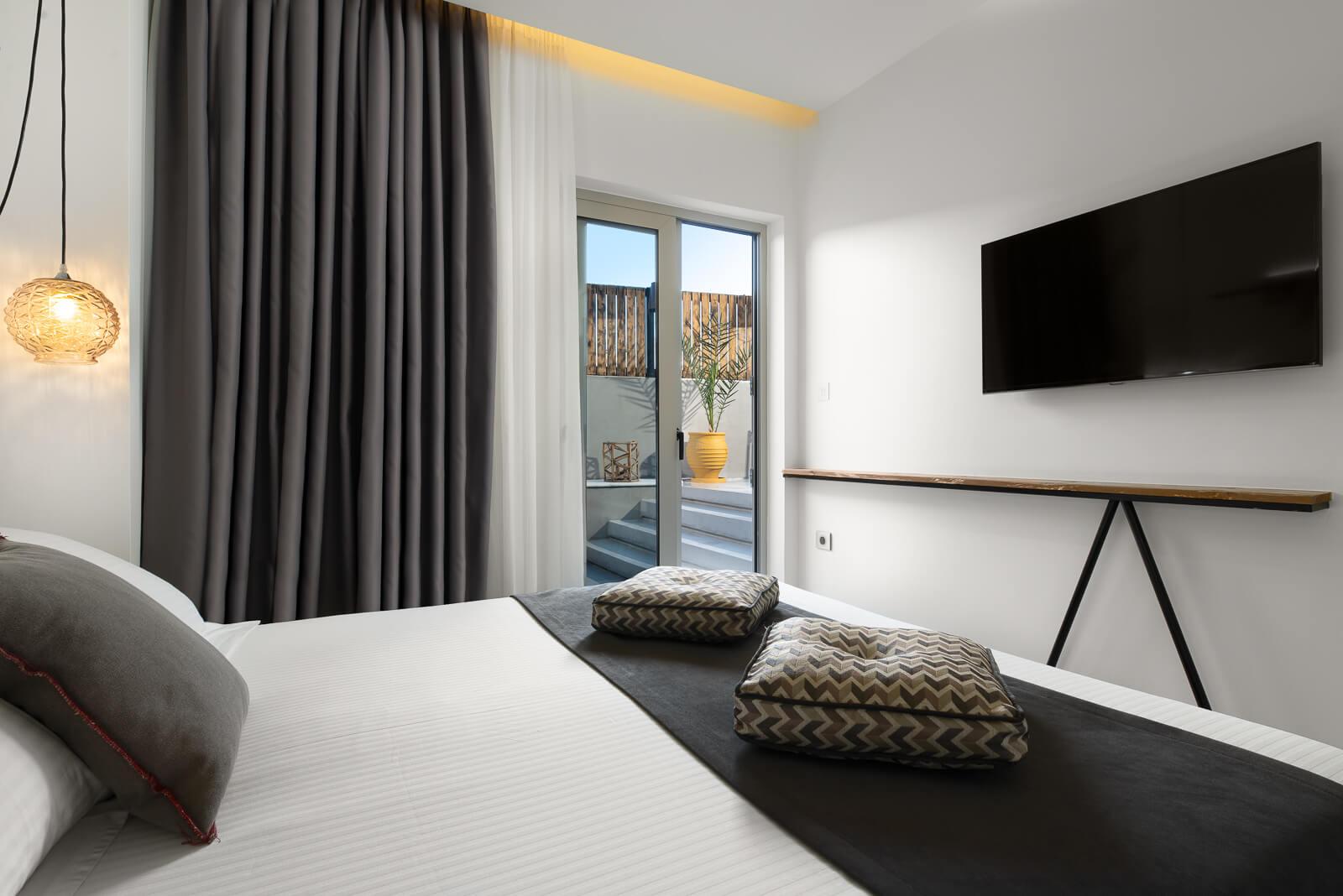 Iviskos Themed Suite - Elakati Hotel in Rhodes Greece